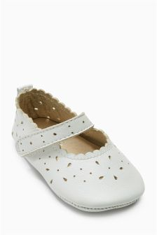 White Mary Jane Pram Shoes (Younger Girls)