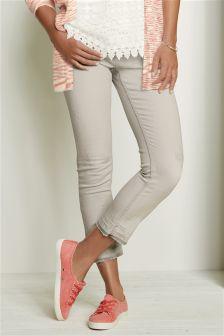 Distressed Hem Crop Jeans