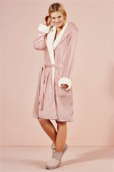 Sheepy Trim Robe