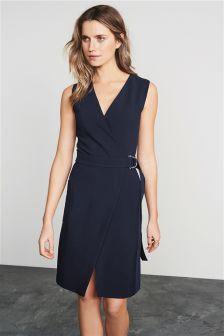 Темно синее кружевное платье какой ремень