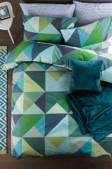 Triangle Geo Bed Set