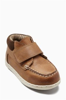 Apron Front Boots (Younger Boys)
