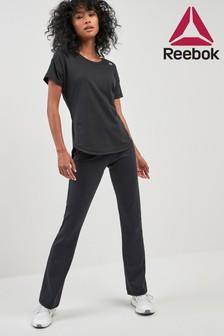 Czarne spodnie Reebok z poszerzaną nogawką