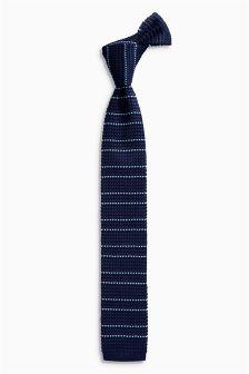 Вязаный галстук в полоску