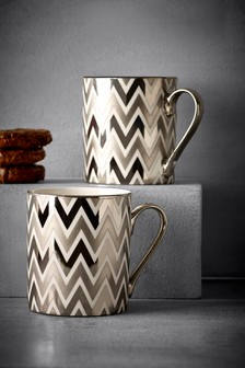 Set Of 2 Silver Effect Zig Zag Mugs