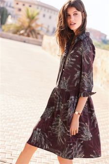 Kleid mit tiefer Taille