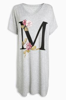 قميص نوم بالحروف الأولى