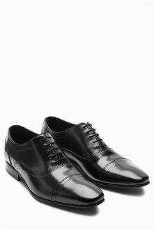 Туфли с декоративной перфорацией на носке
