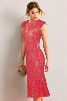 Эластичное кружевное платье