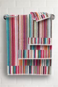 Wąski ręcznik w paski