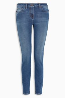 Figure Cropped Jeans