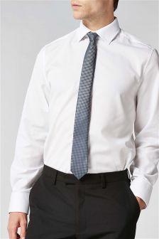 Koszula o regularnym kroju z krawatem i poszetką