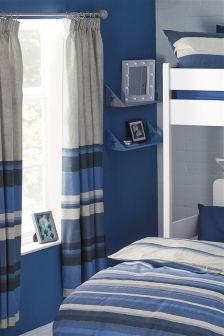 Gestreifte Vorhänge mit Plisseefalten, blau