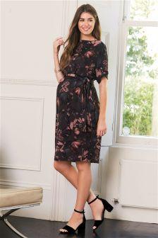 Kleid mit Fledermausärmeln, Umstandsmode
