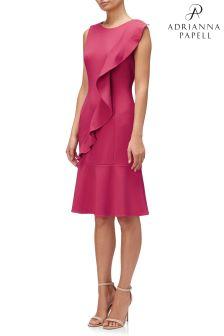 فستان كريب مدرج محبوك خصر منسدل أحمر من Adrianna Papell
