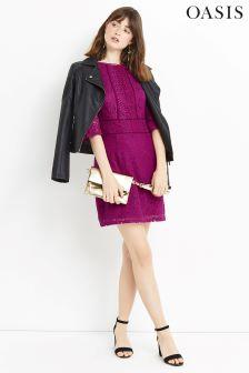 Fioletowa sukienka z rękawem do łokcia i koronką