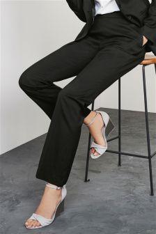 بنطلون مخصص للأحذية الطويلة