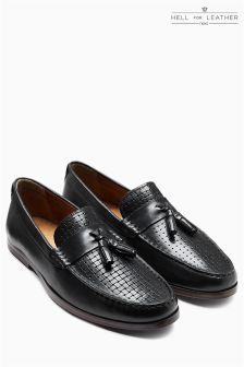 Туфли с плетеной отделкой и кисточками