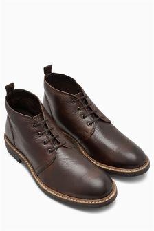 Классические ботинки на шнурках