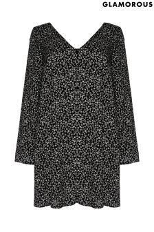 Luźna sukienka Glamorous Curve z guziczkami z przodu